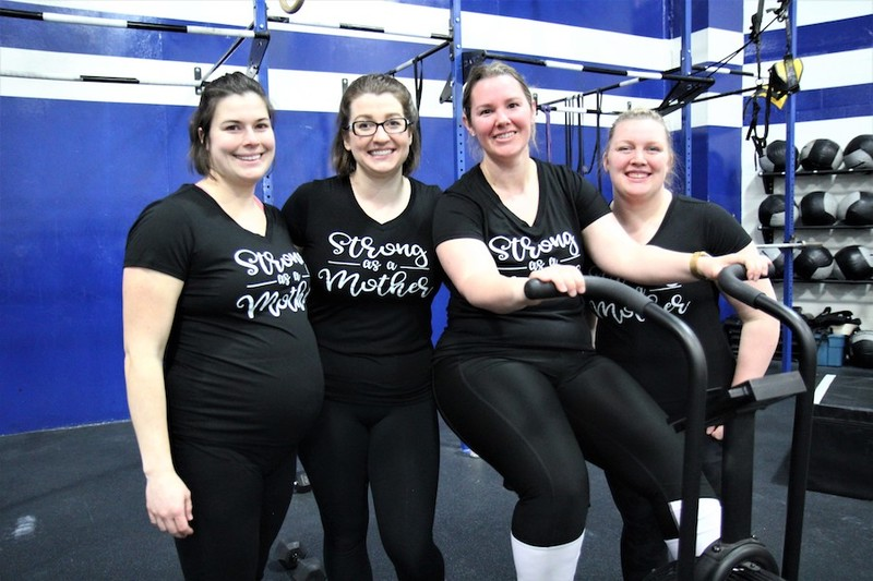 Content momstrong mothers day event   crossfit central aurora   may 2019   pic  11