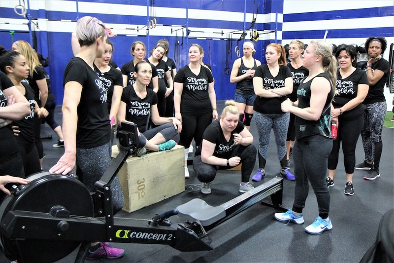 Content momstrong mothers day event   crossfit central aurora   may 2019   pic  18