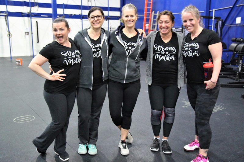 Content momstrong mothers day event   crossfit central aurora   may 2019   pic  28
