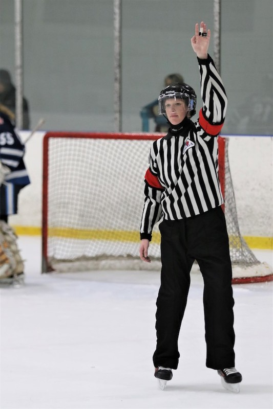 Content courtney    cassidy   ice hockey referees   sisters   pic  25