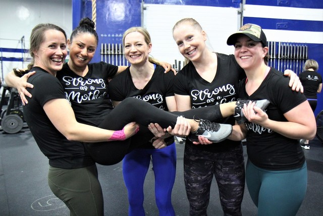 Thumb momstrong mothers day event   crossfit central aurora   may 2019   pic  49