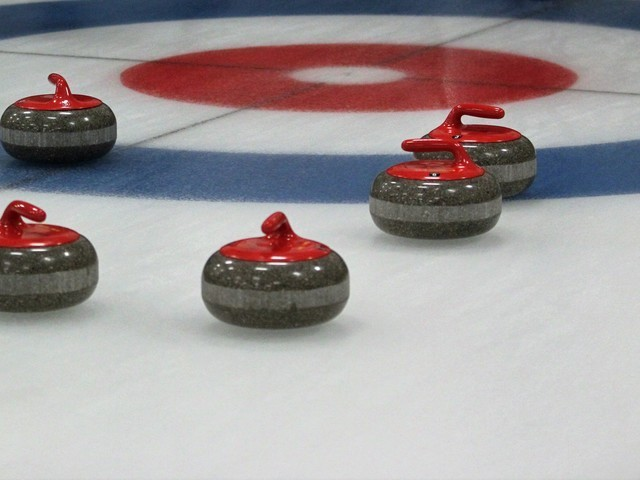 Thumb curling rocks   shot  16
