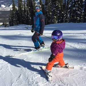 Thumb little girl skiing at khmr